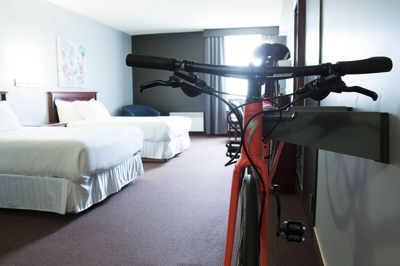 http://notrehotel.ca/wp-content/uploads/sites/2/2014/10/Chambre-support-Vélo-3.jpg